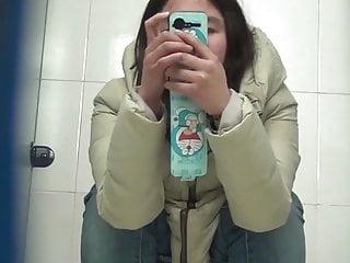 Chinese toilet peeing 12